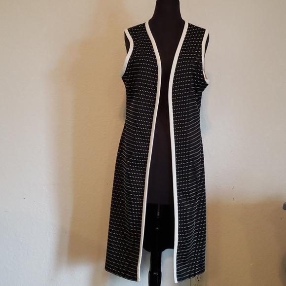 Vintage cream/black polka dotted sleeveless duster